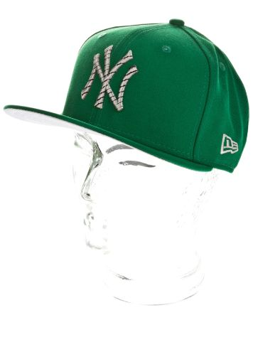 New Era NY Yankees Logo Chain Cap