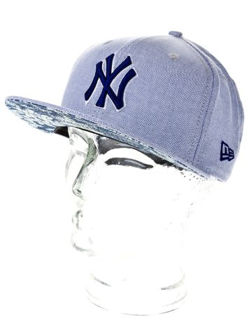 New Era NY Yankees Flip Up Tropic Cap