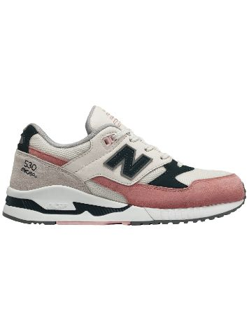 New Balance 530 Suede Sneakers Frauen